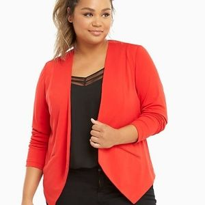 Torrid crepe cut away blazer
